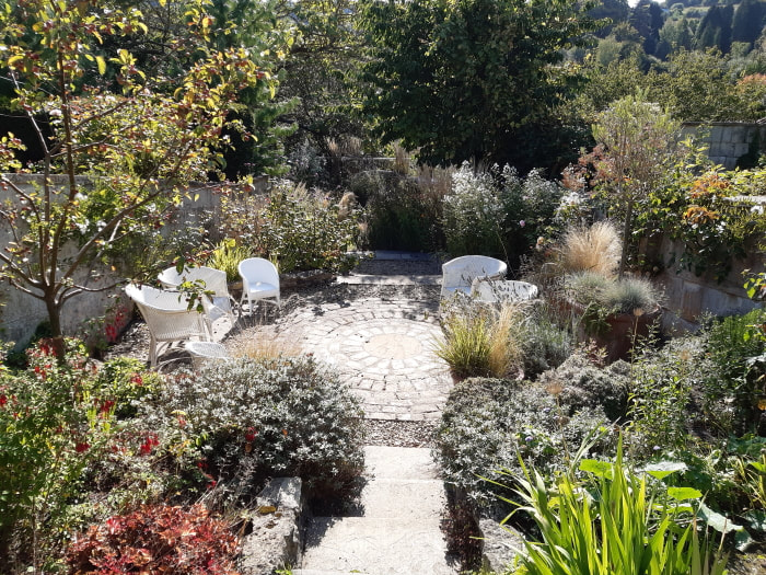 Stone Circle Garden Design in Bath